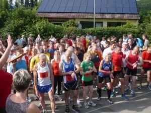 Läufer Walk`n Run 2012 Startlinie